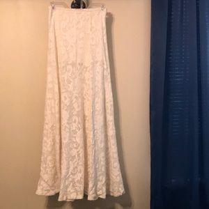 Beautiful Knit Cream Skirt
